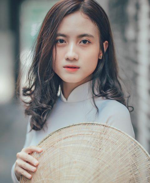 Hình ảnh áo dài trắng con gái
