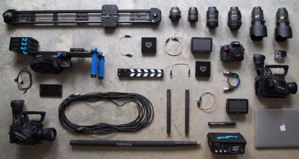 Máy ảnh và phụ kiện chụp hình