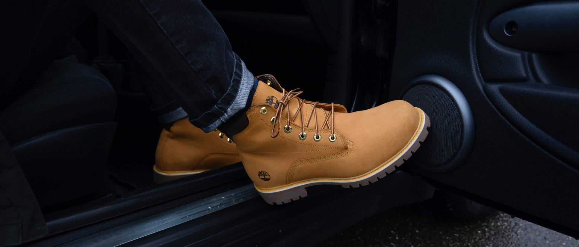 quảng cáo giày