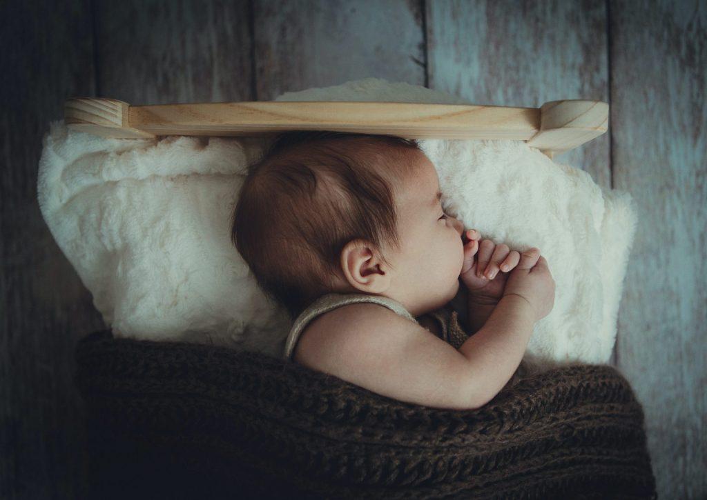 chụp hình cho bé 1 tuổi