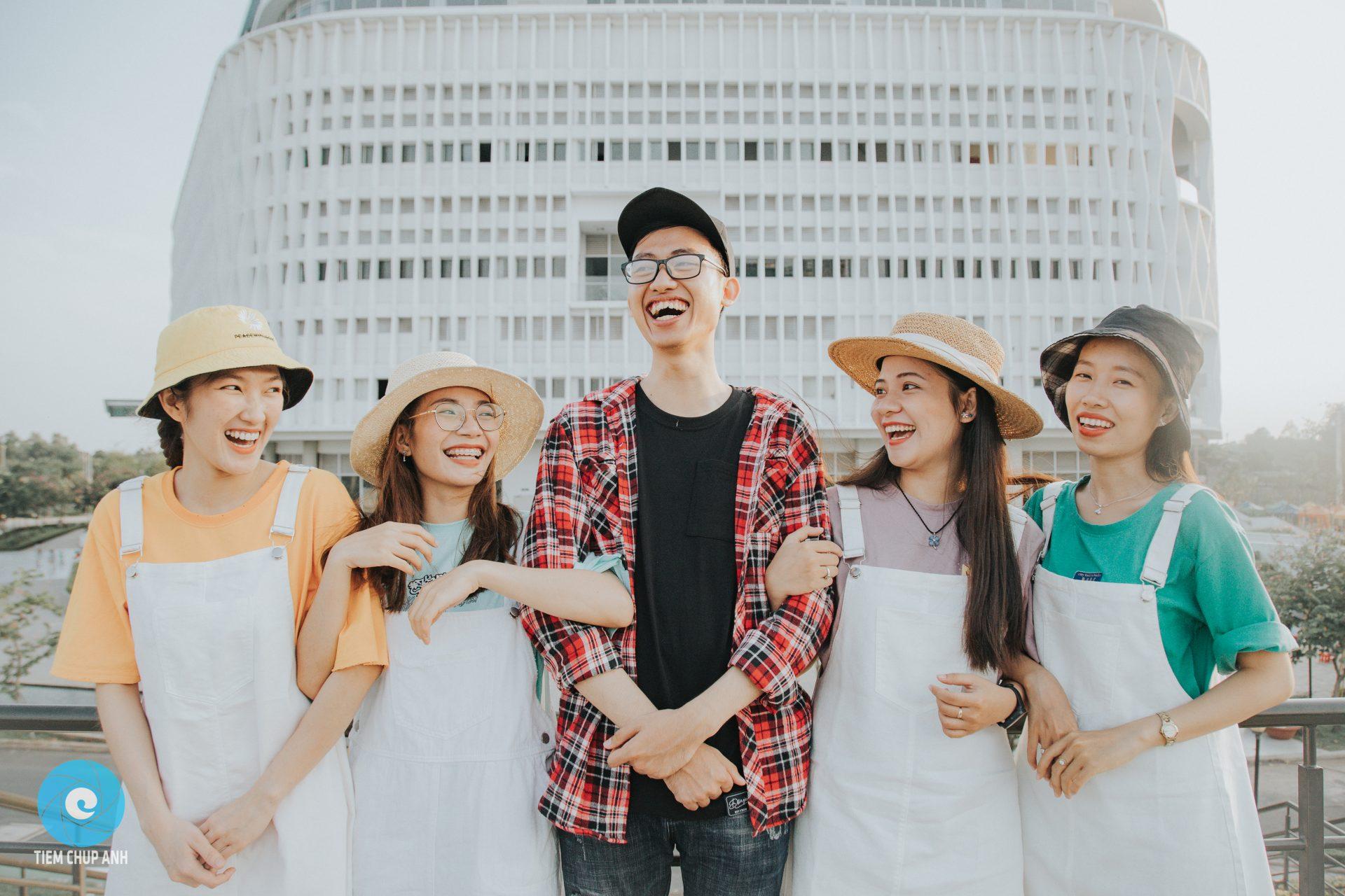 chụp hình nhóm