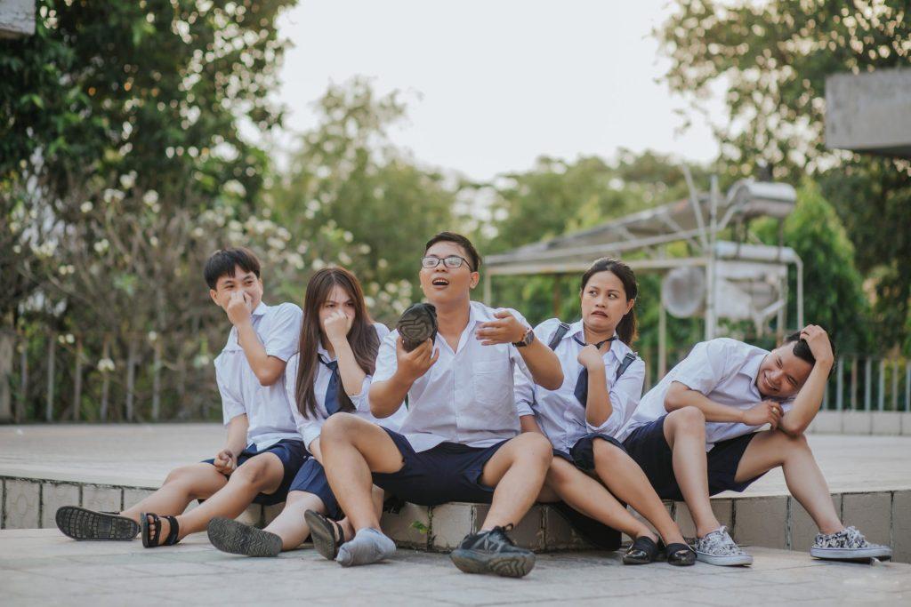 chụp hình nhóm 4 người