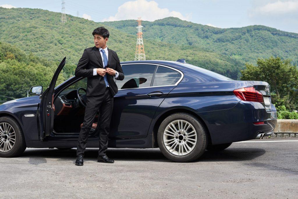 chụp ảnh với xe ô tô đẹp